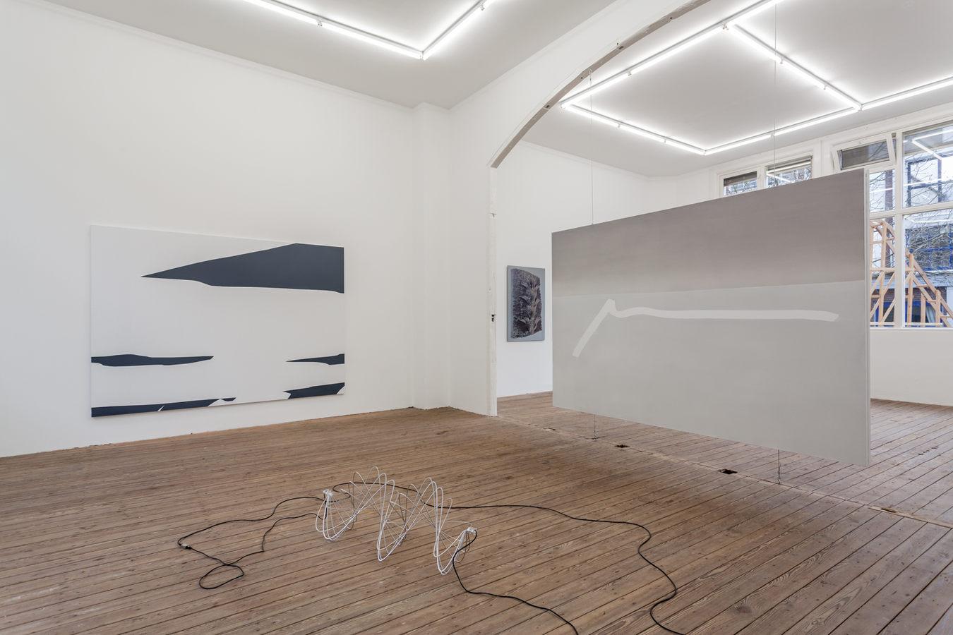 Installation view; Spiros Hadjidjanos, Sara Ludy, Priscilla Tea; Galerie Gabriel Rolt (1
