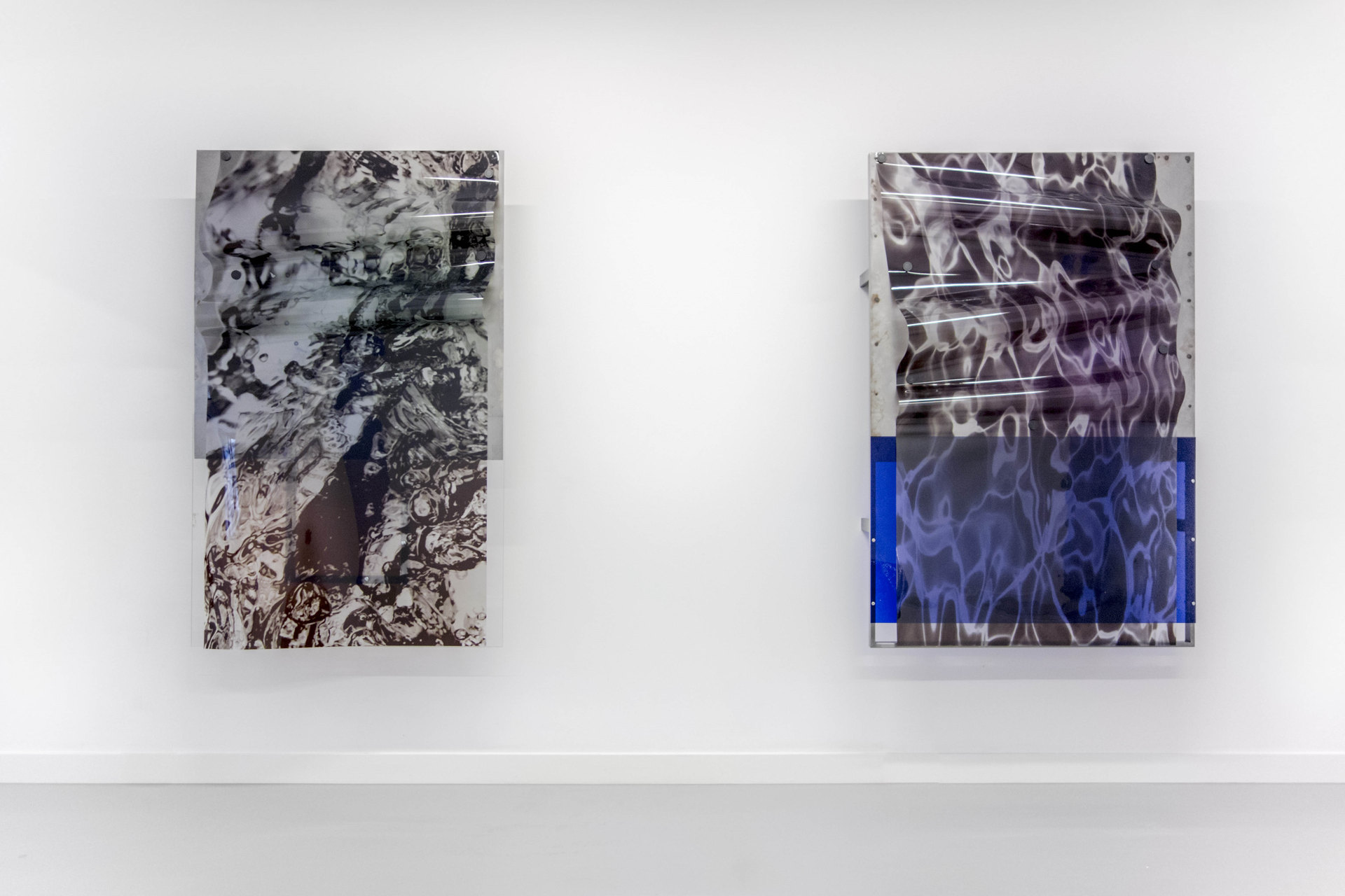 Thomas van Linge, Liquidity (no. 1 & 3), 2015, 160x100x25cm