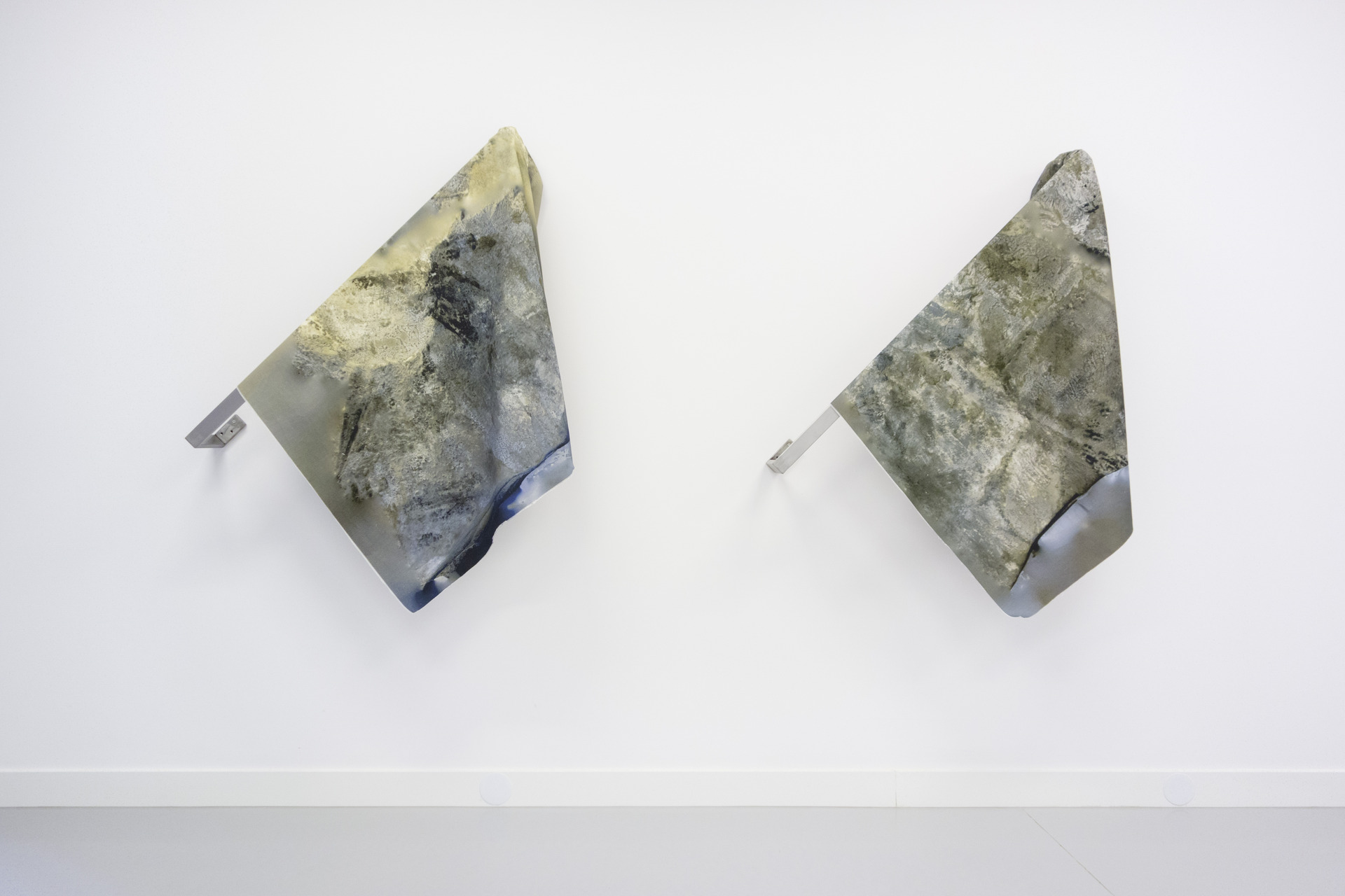 Thomas van Linge, Transformer (no. 1 & 2), 2014, dimensions variable
