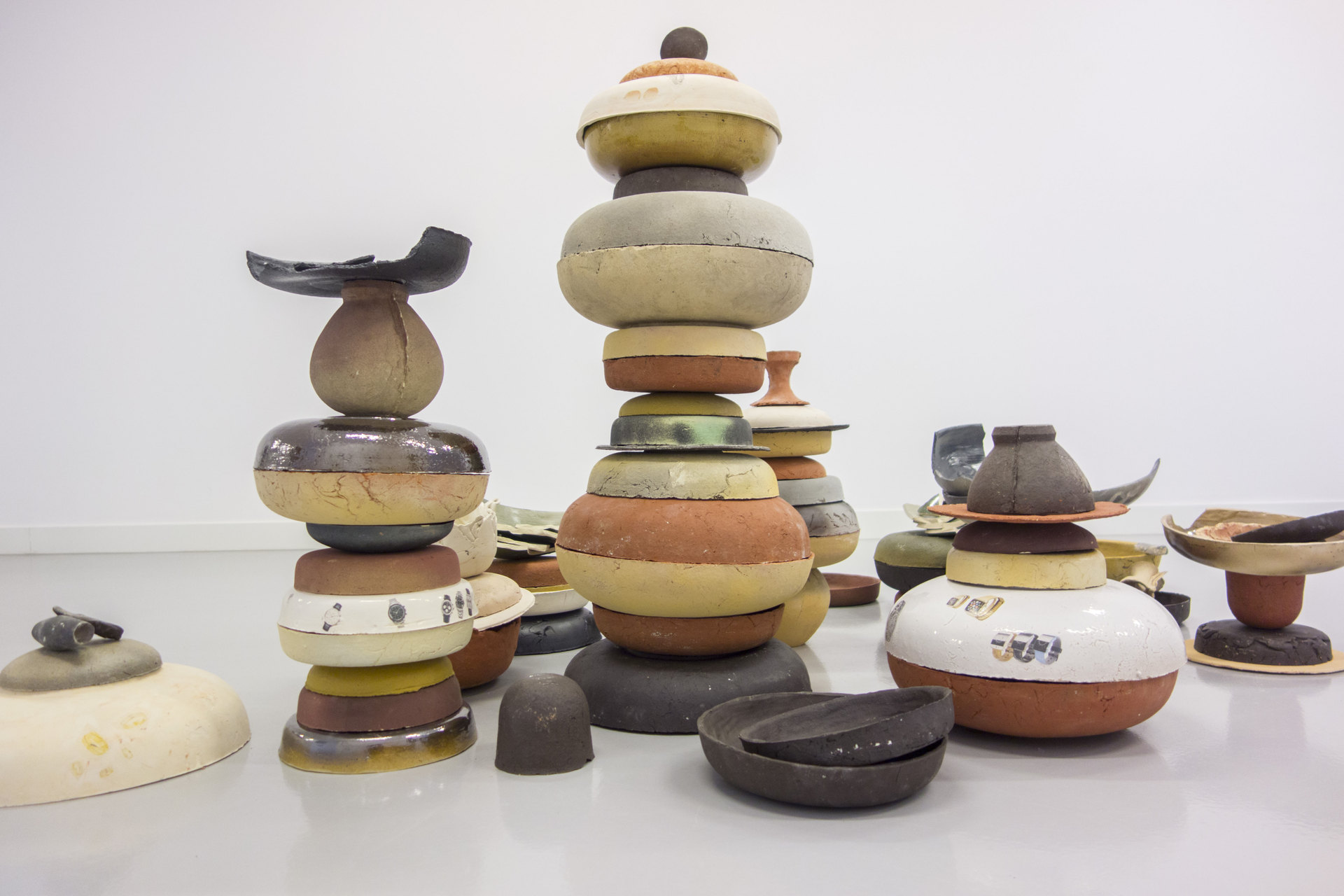 Thomas van Linge, Untitled (Bowls), 2014, dimensions variable, detail