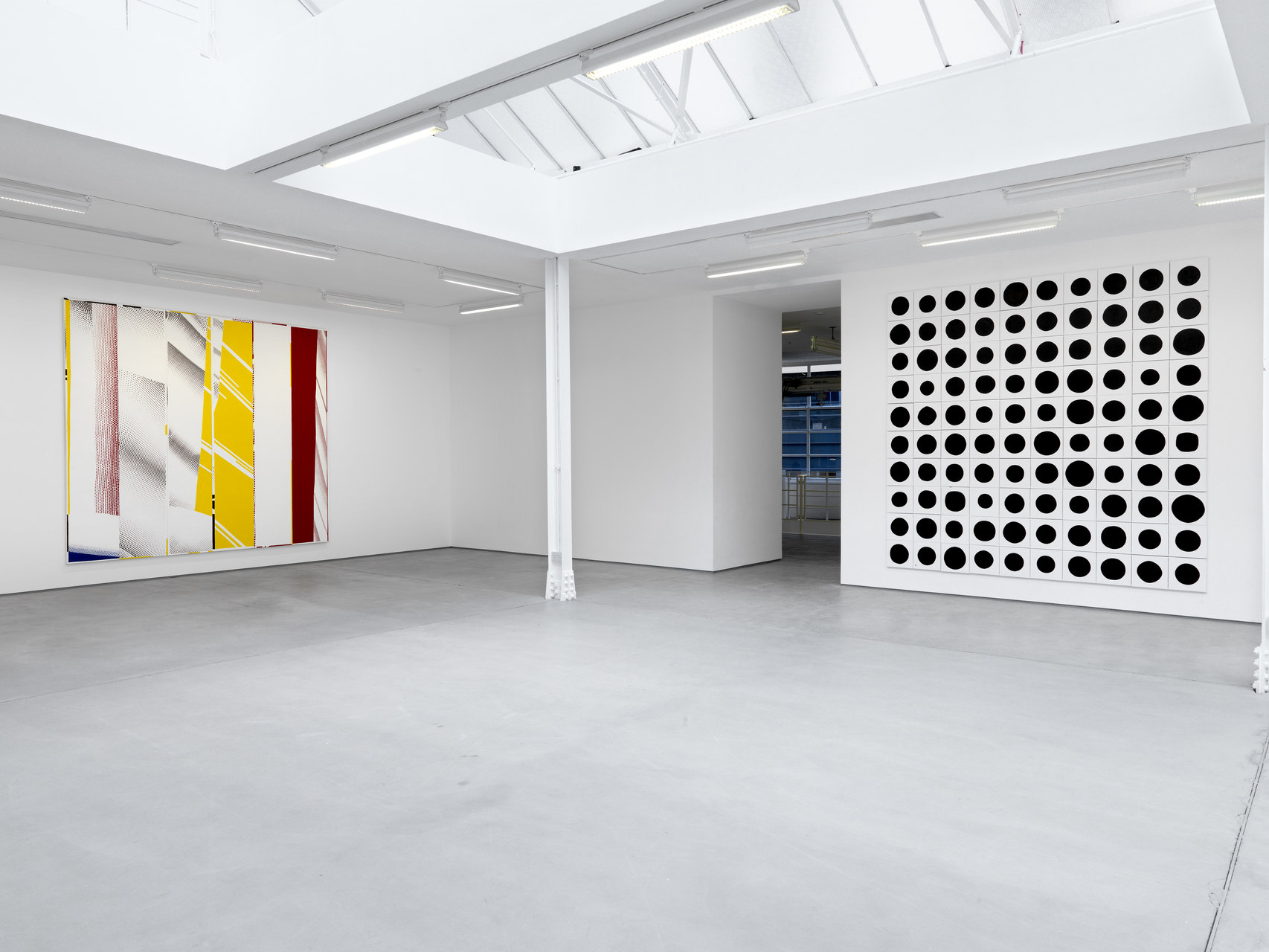006_Installation view_Jonathan Horowitz_3048cm Paintings_SCHQ_Kingly St_26 March-30 May 2015