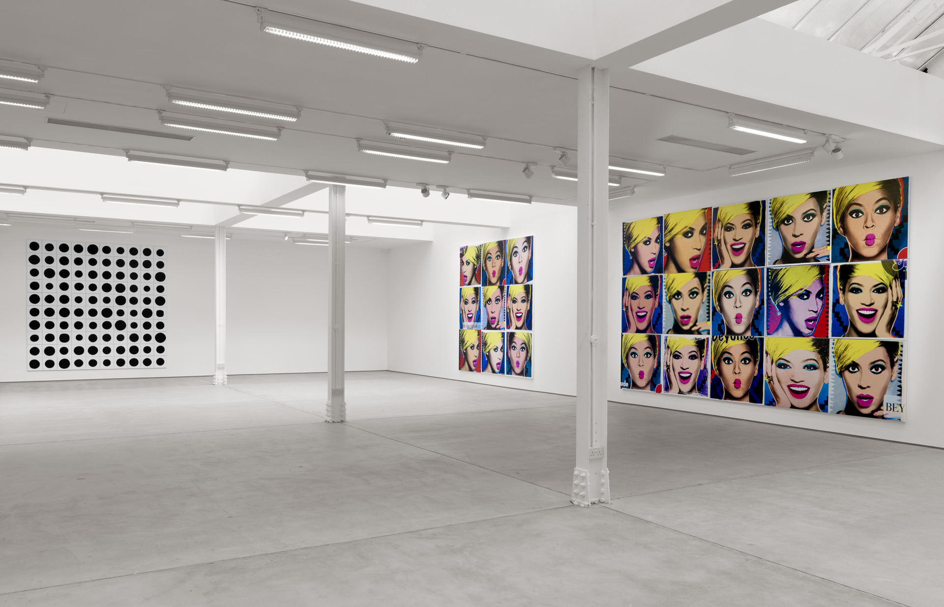 007_Installation view_Jonathan Horowitz_3048cm Paintings_SCHQ_Kingly St_26 March-30 May 2015