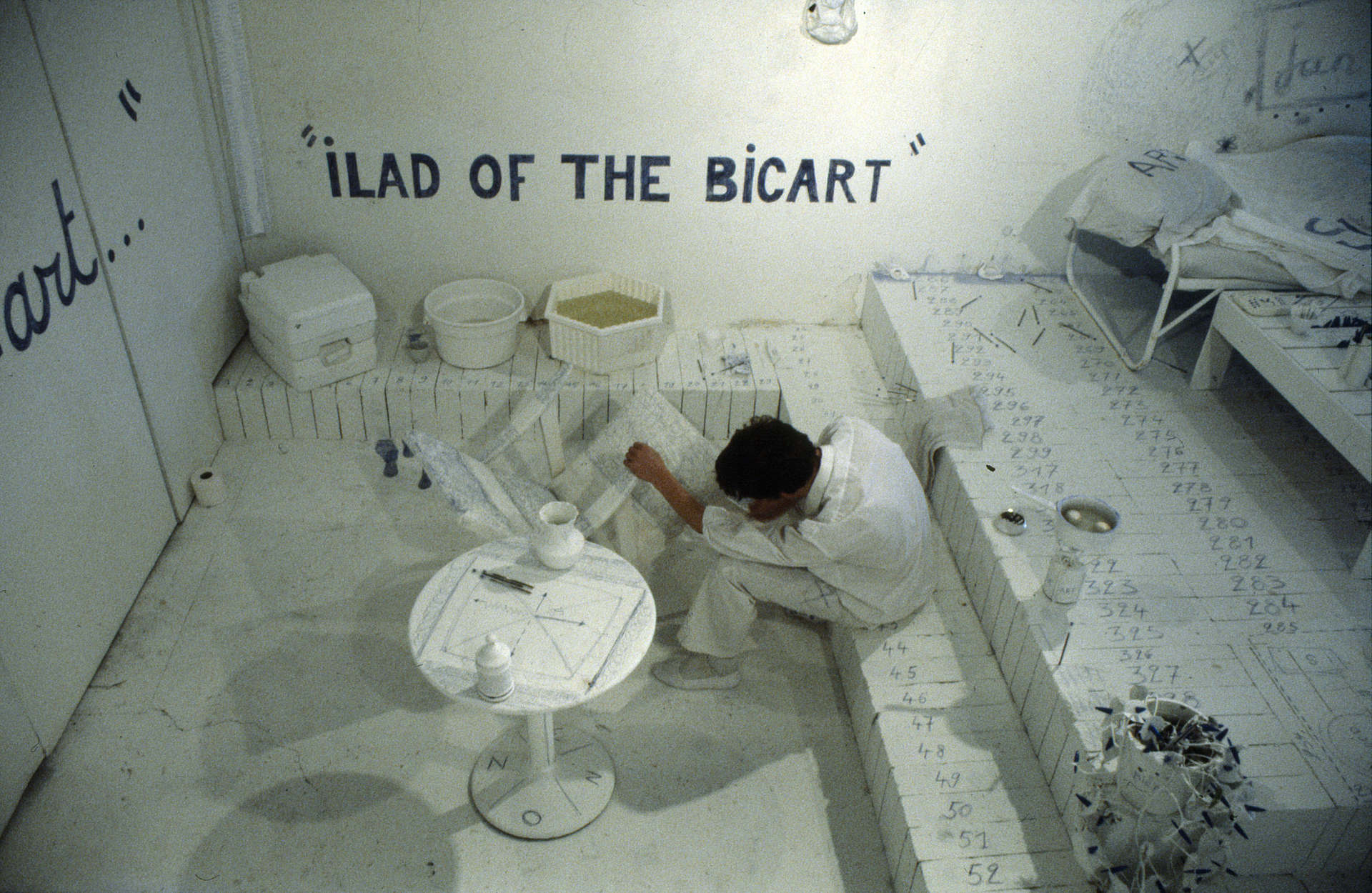 Jan_Fabre,_Ilad_of_the_Bic_Art,_The_Bic_Art_Room,_1981_installation,_Salon_Odessa,_Leiden,_Nederland,_photo_Fred_Balhuizen_courtesy_Angelos