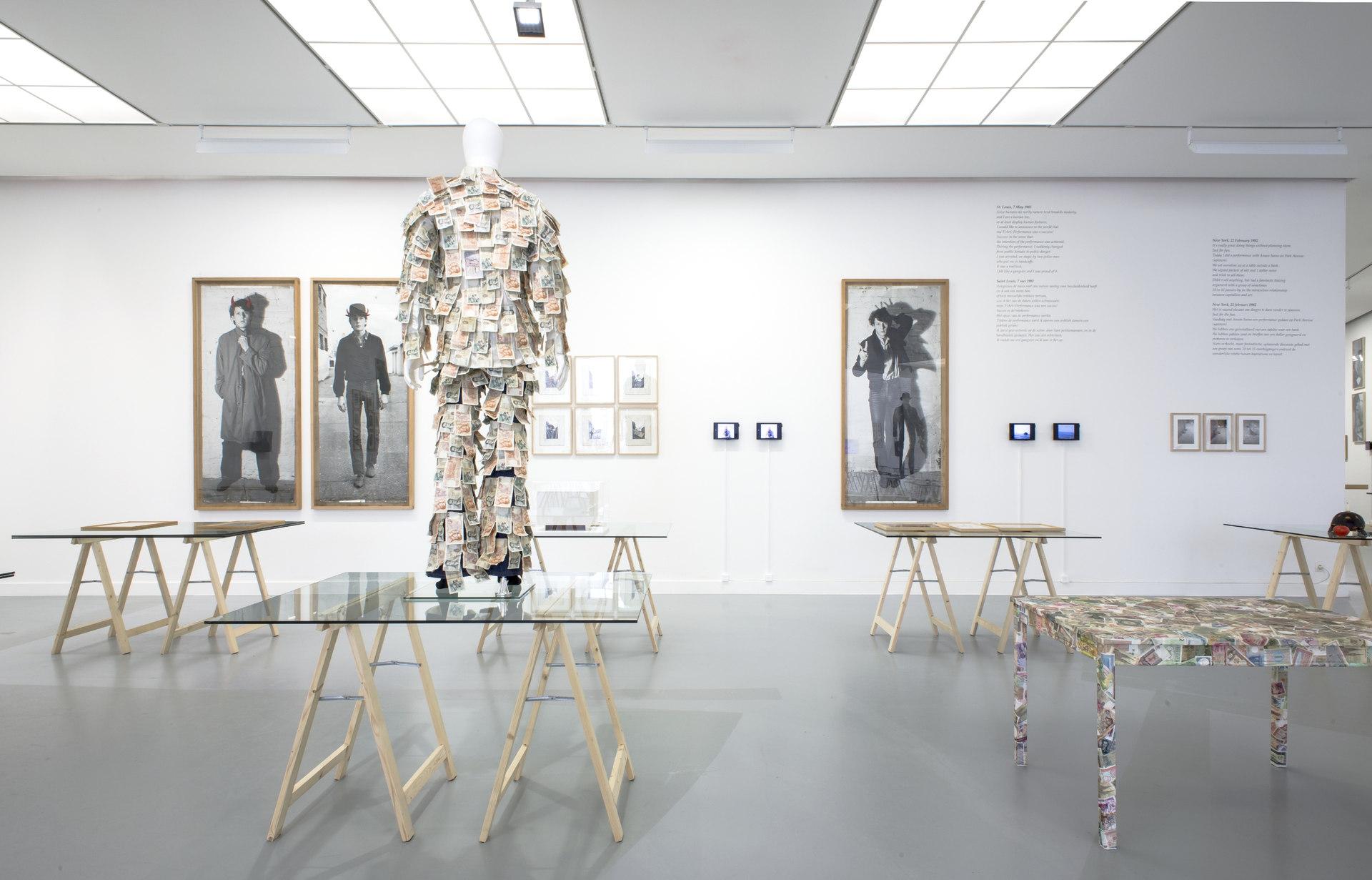 Jan_Fabre,_exhibition_view_M_HKA_2015_photo_M_HKAclinckx23