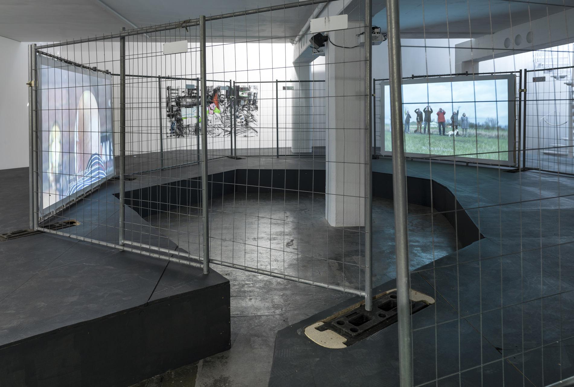 Erik van Lieshout_Dog_Galerie Guido W. Baudach_I 15