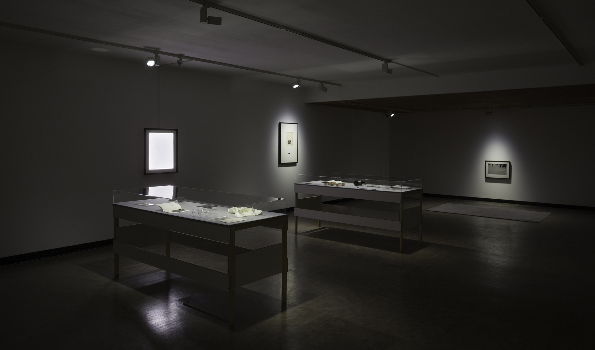 Installation-view-Individual-Stories-13