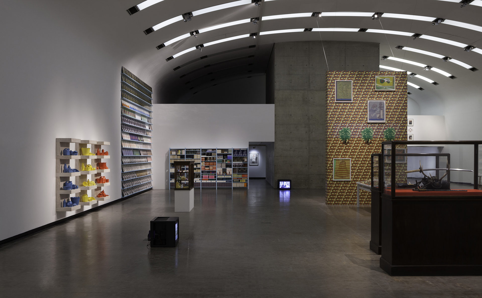 Installation-view-Individual-Stories-20