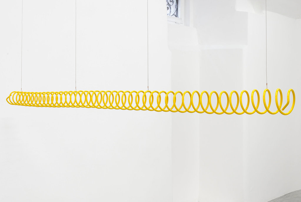 Yonatan Vinitsky_2015_Ensemble Orientation Quick Jerky Movements Stop (Yellow.8.90.42) _10x211x10cm_2015-yv-05
