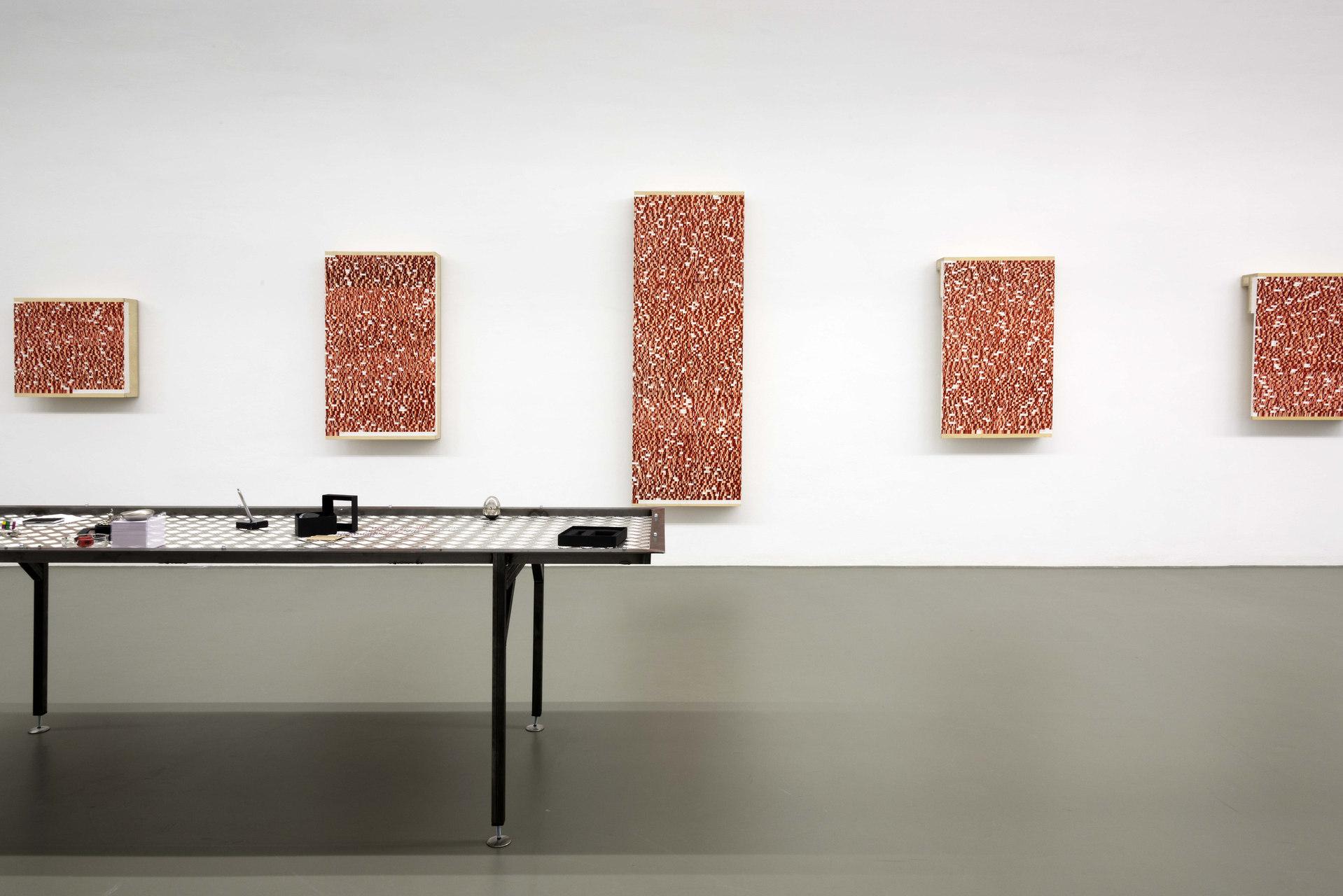 2 exhibition view Danica Phelps Kathi Hofer -®AslanKudrnofsky_NIK0357