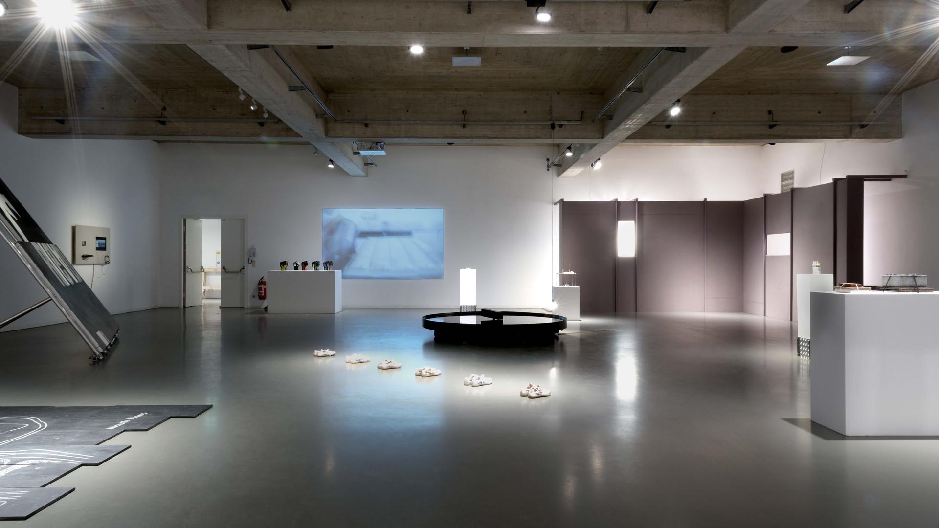21 exhibition view -®AslanKudrnofsky_NIK0520