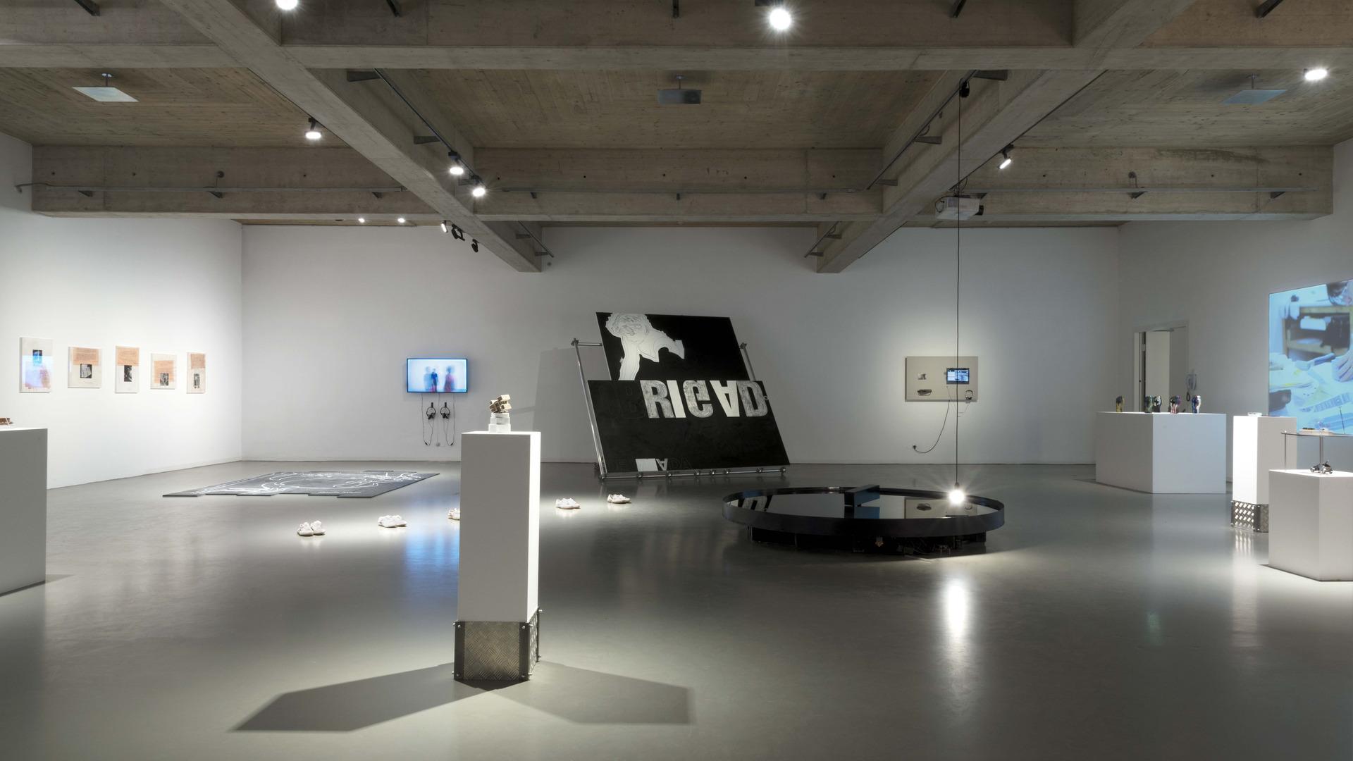 14 exhibition view -®AslanKudrnofsky_NIK0515