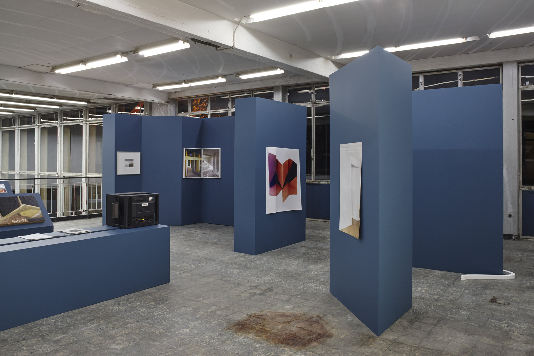 'The Corner Show', installation view, Extra City Kunsthal, 2015 © Jan Kempenaers428