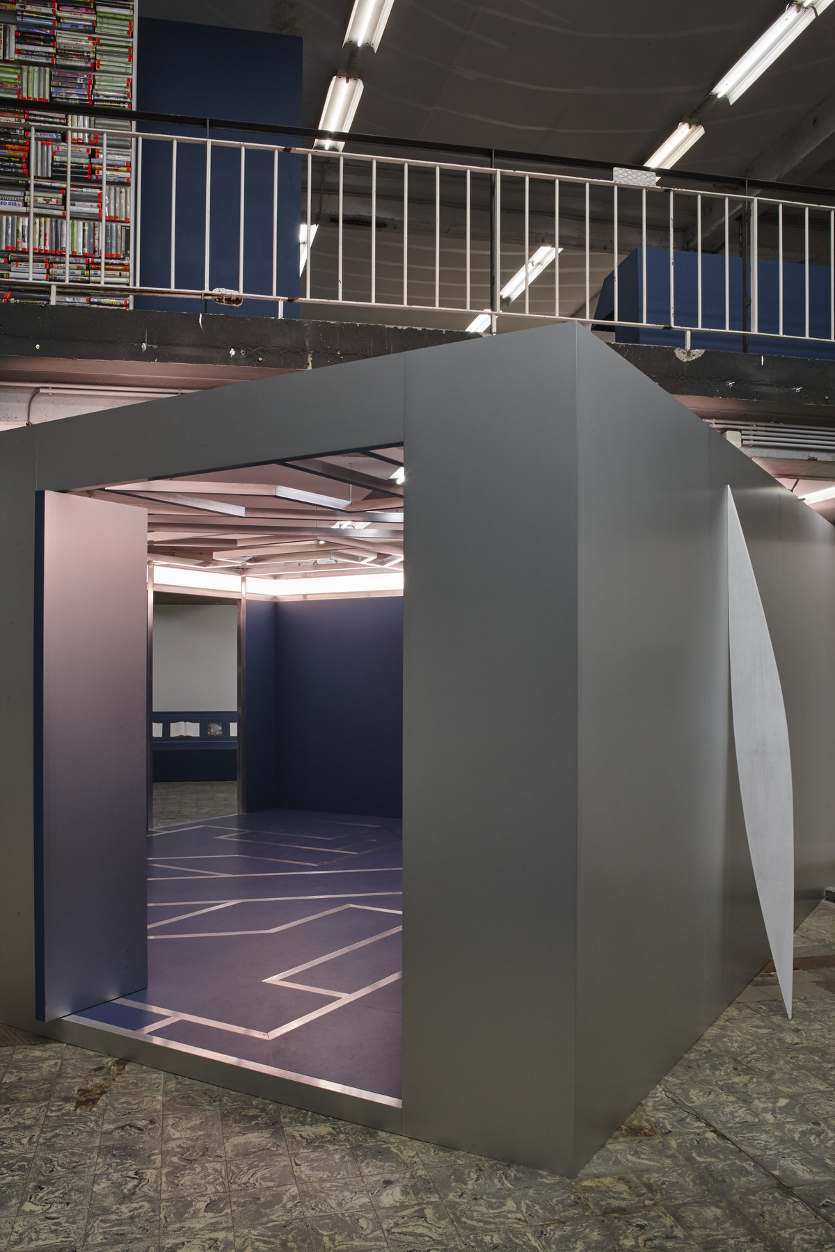 'The Corner Show', installation view, Extra City Kunsthal, 2015 © Jan Kempenaers239
