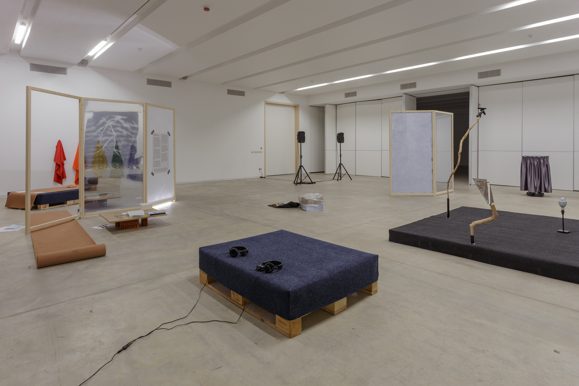 Double Bind, exhibition view, 2015