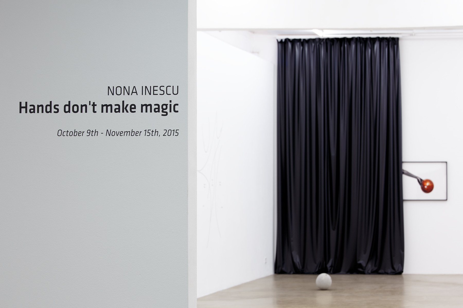 Hands don't make magic, exhibition view (1)