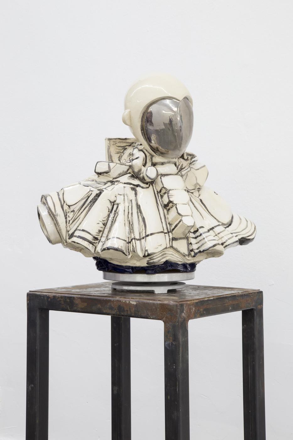 Nadia Naveau, Oscar Oddity, 2016, ceramics, 55x42x54cm