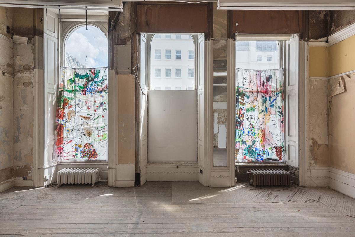 06. Neil Haas_curtains