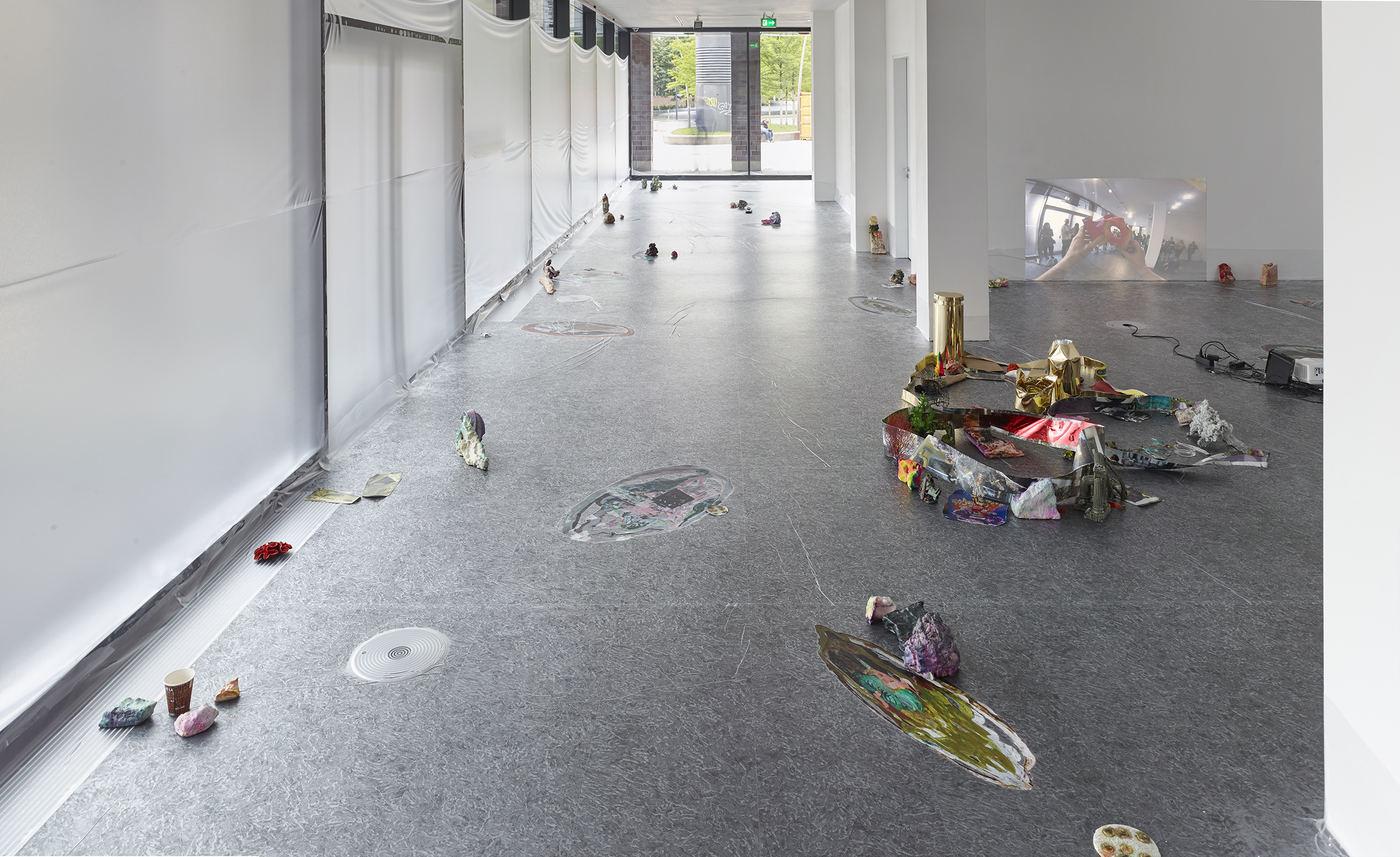 14_Dortmunder Kunstverein_Sam Keogh EUROCOPTER EC135_Photo Simon Vogel