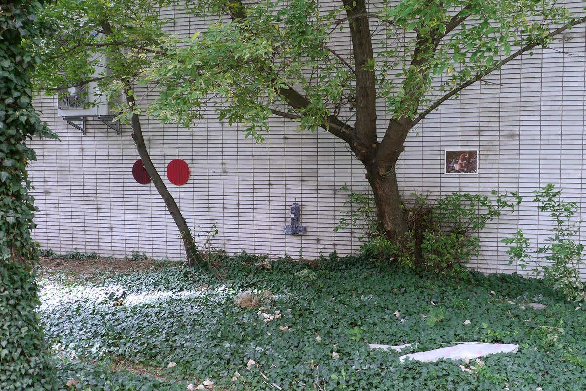 Life ist Life Zeitgenössische Kunst aus Berlin at Garret Grimoire