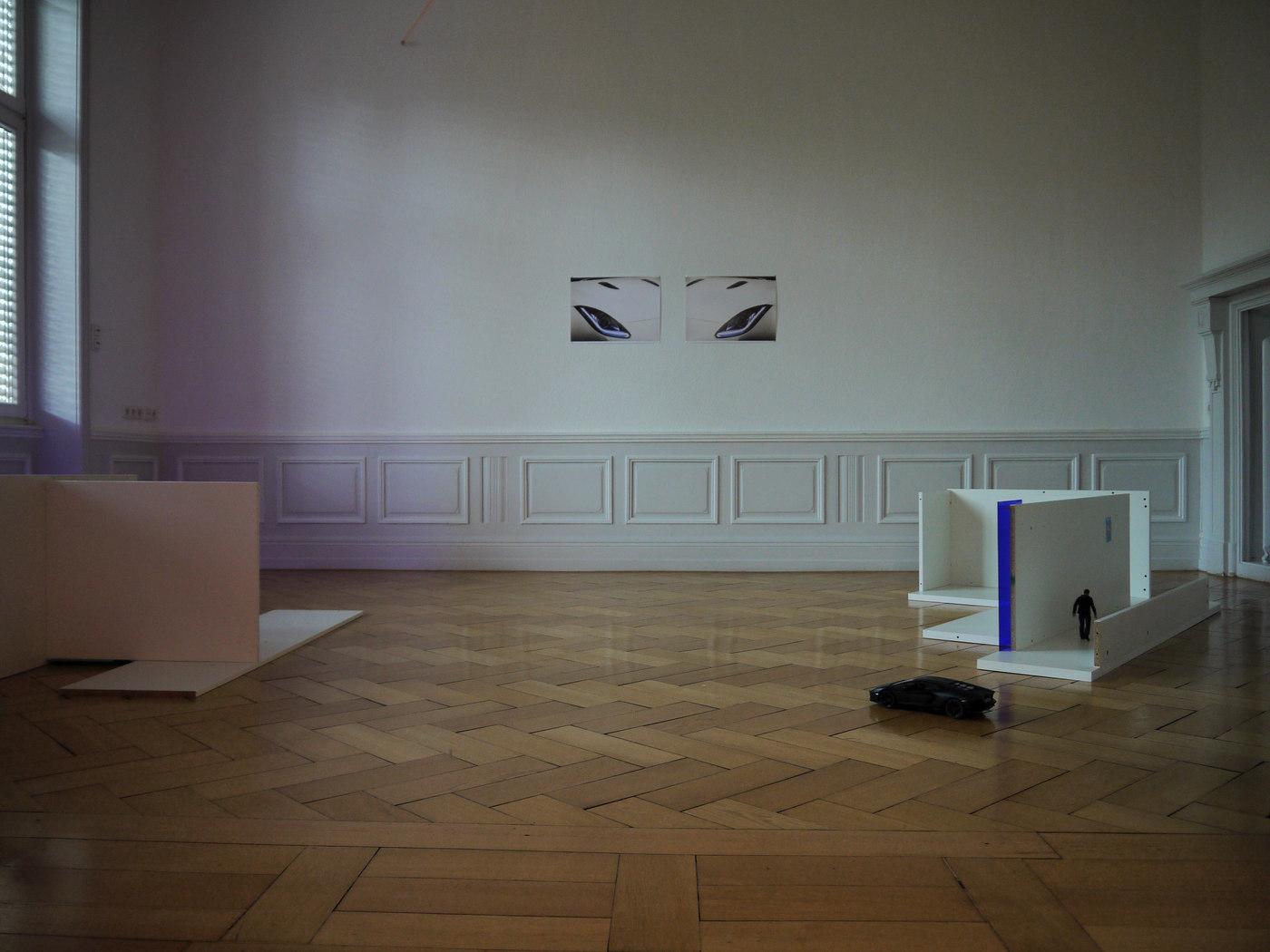 Salon Kennedy_PITFALLS_Benedikte Bjerre_Money over World_Frankfurt_Cultural Avenue_C
