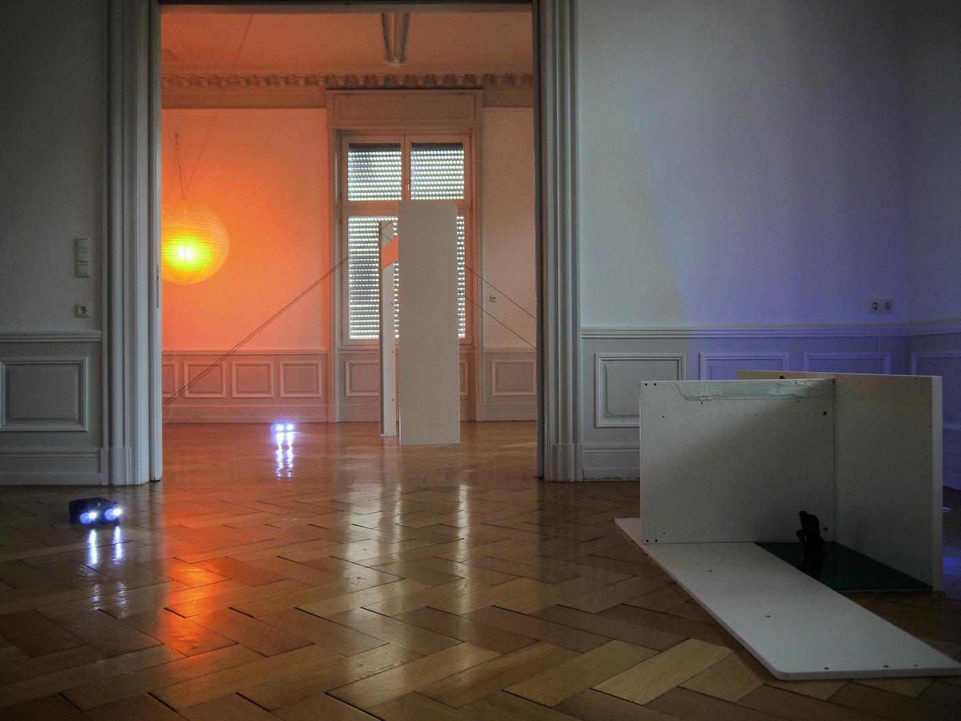 Salon Kennedy_PITFALLS_Benedikte Bjerre_Money over World_Frankfurt_Cultural Avenue_F