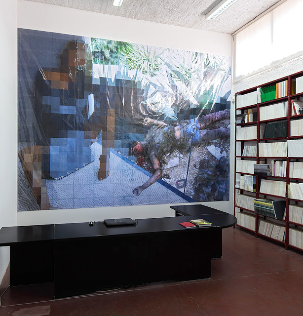 Pixel-Collage nº31, 2016, Prints, tape, transparent sheet, 339x463cm
