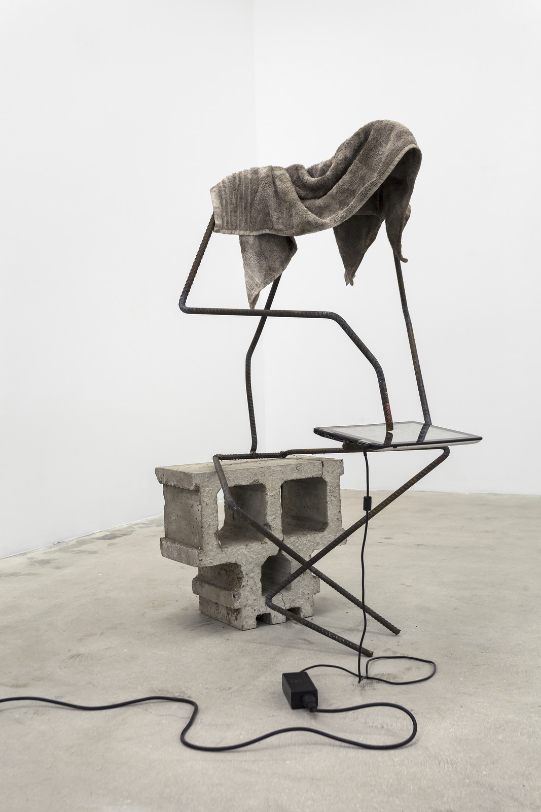 Versteeg_Surfer (with head)_cement, welded steel, internet-connected computer program, tablet, towel_2016