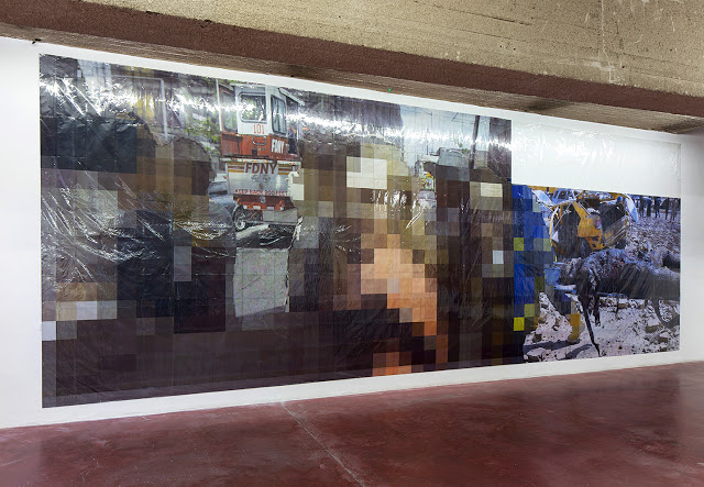Pixel-Collage nº43, 2016, Prints, tape, transparent sheet, 365x995cm