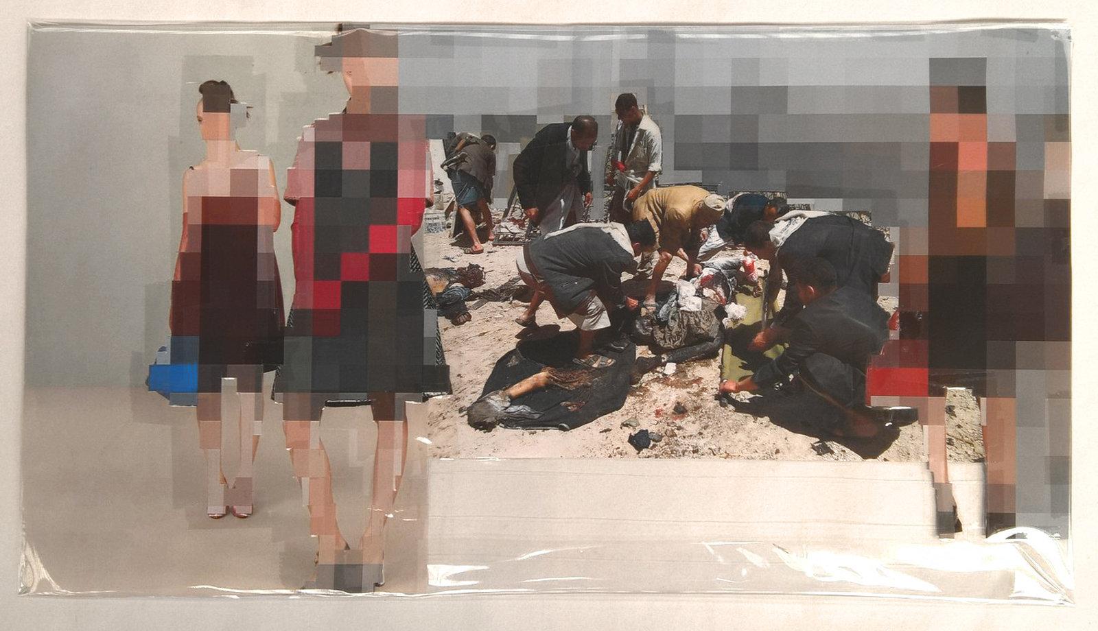 Pixel-Collage nº66, 2016, Prints, tape, transparent sheet, 28x50,5 cm