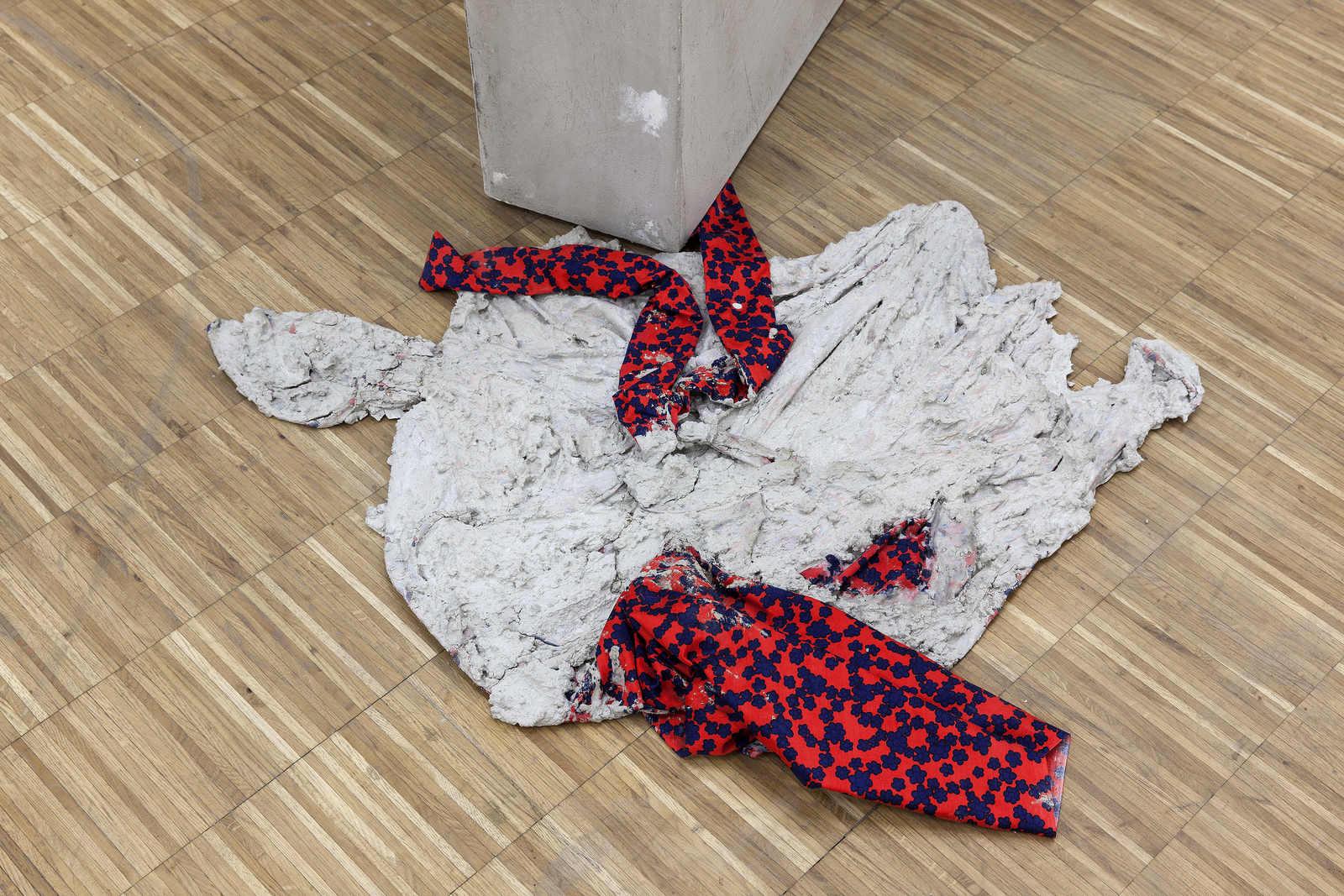 33_Concrete_Coat_(Kimono)_anna-Sophie_berger