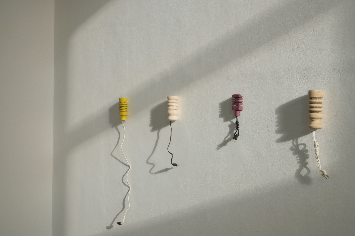 Manuela Moscoso, no titel, Exhibition view of Darius Mikšys, Hayward & Tamayo, Kunstverein München 2016 © Kunstverein München e.V._23