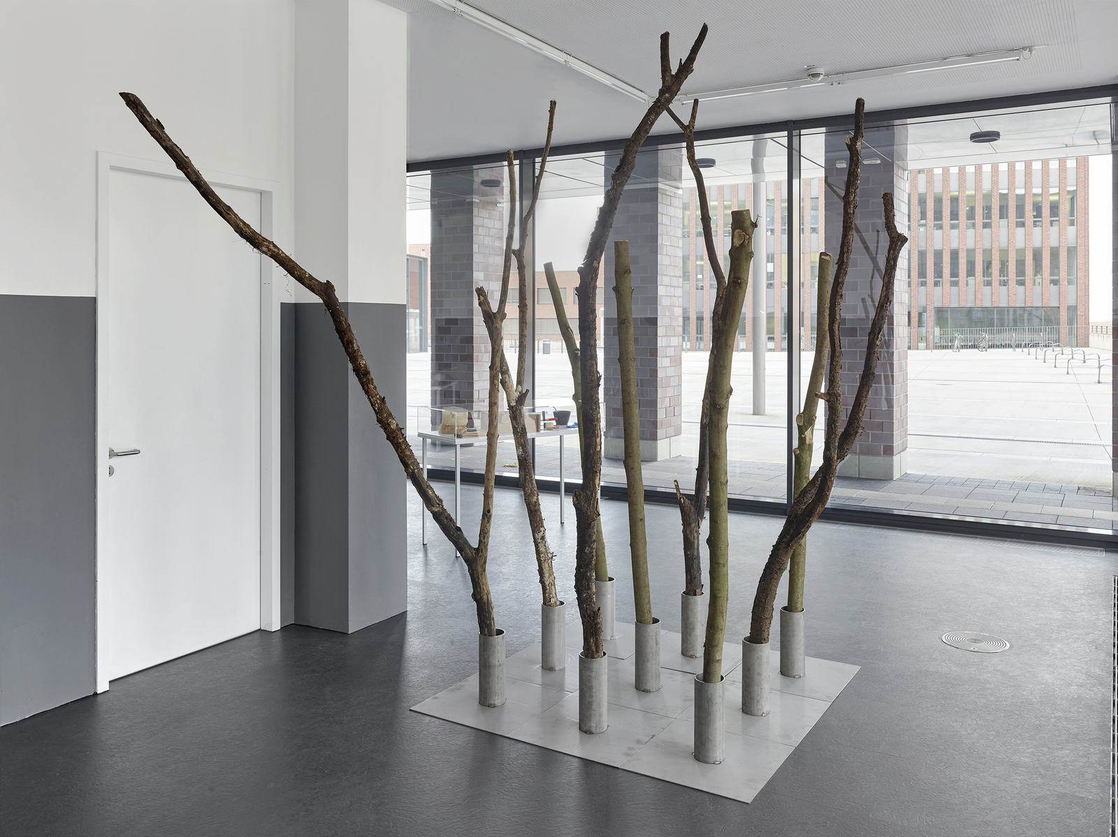 1_Shelly Nadashi NESTING BOX, Installation View_Dortmunder Kunstverein, Photo Simon Vogel