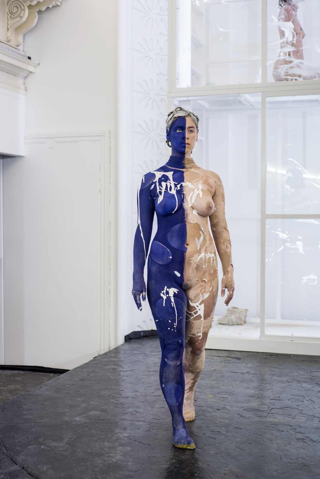Donna Huanca - Scar Cymbals - performance 07.10.16 - Image Thierry Bal9