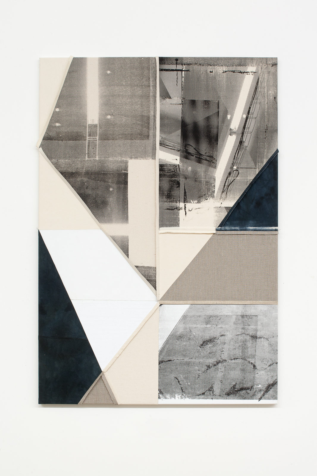 The painters have finished_SVIT 11-2016-4494_Alexander Wolff,Untitled, 2016, silkscreen on cotton, canvas,linnen, 150 x 103 cm