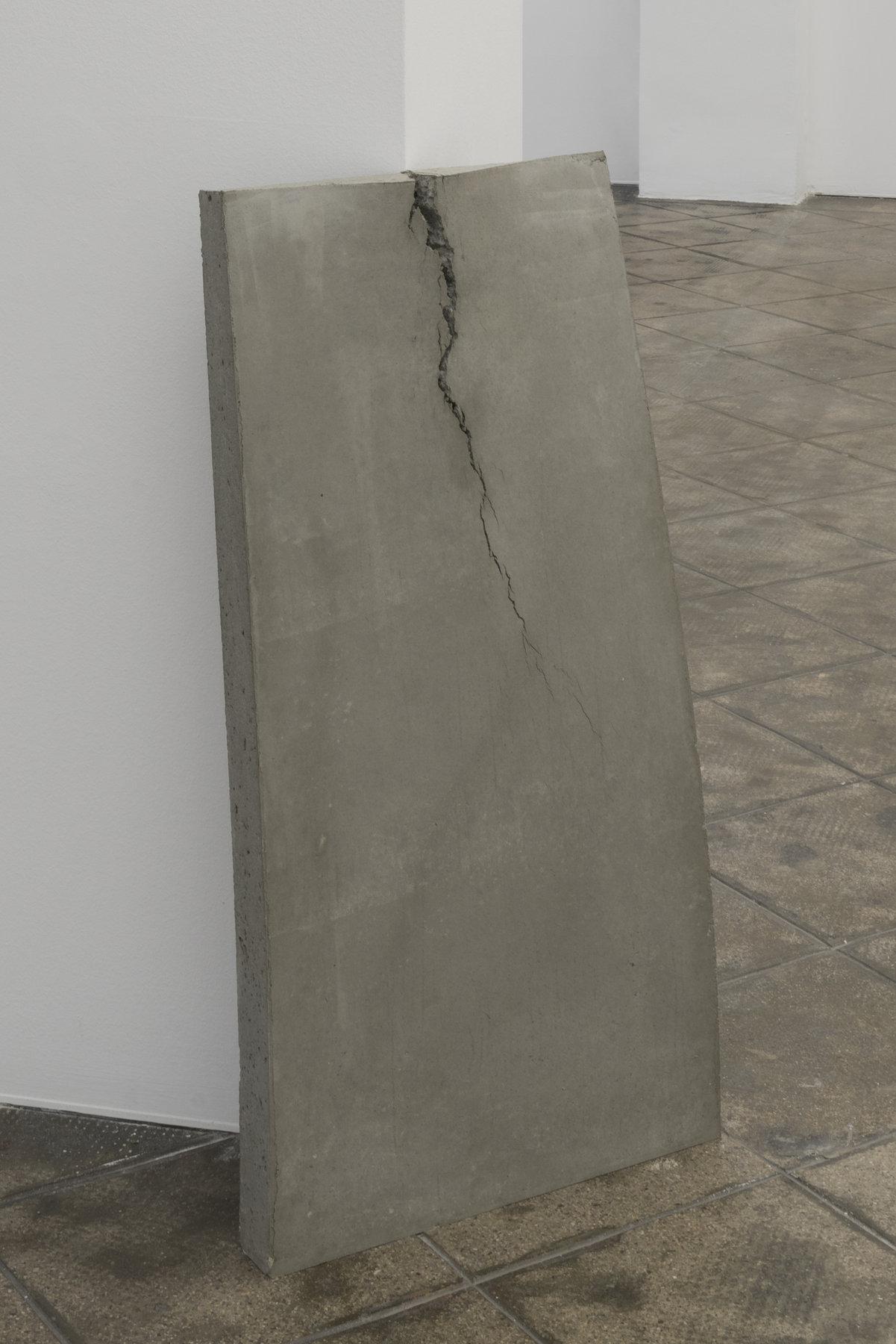 CW_Beton (um eine Kante gebogen) (1)