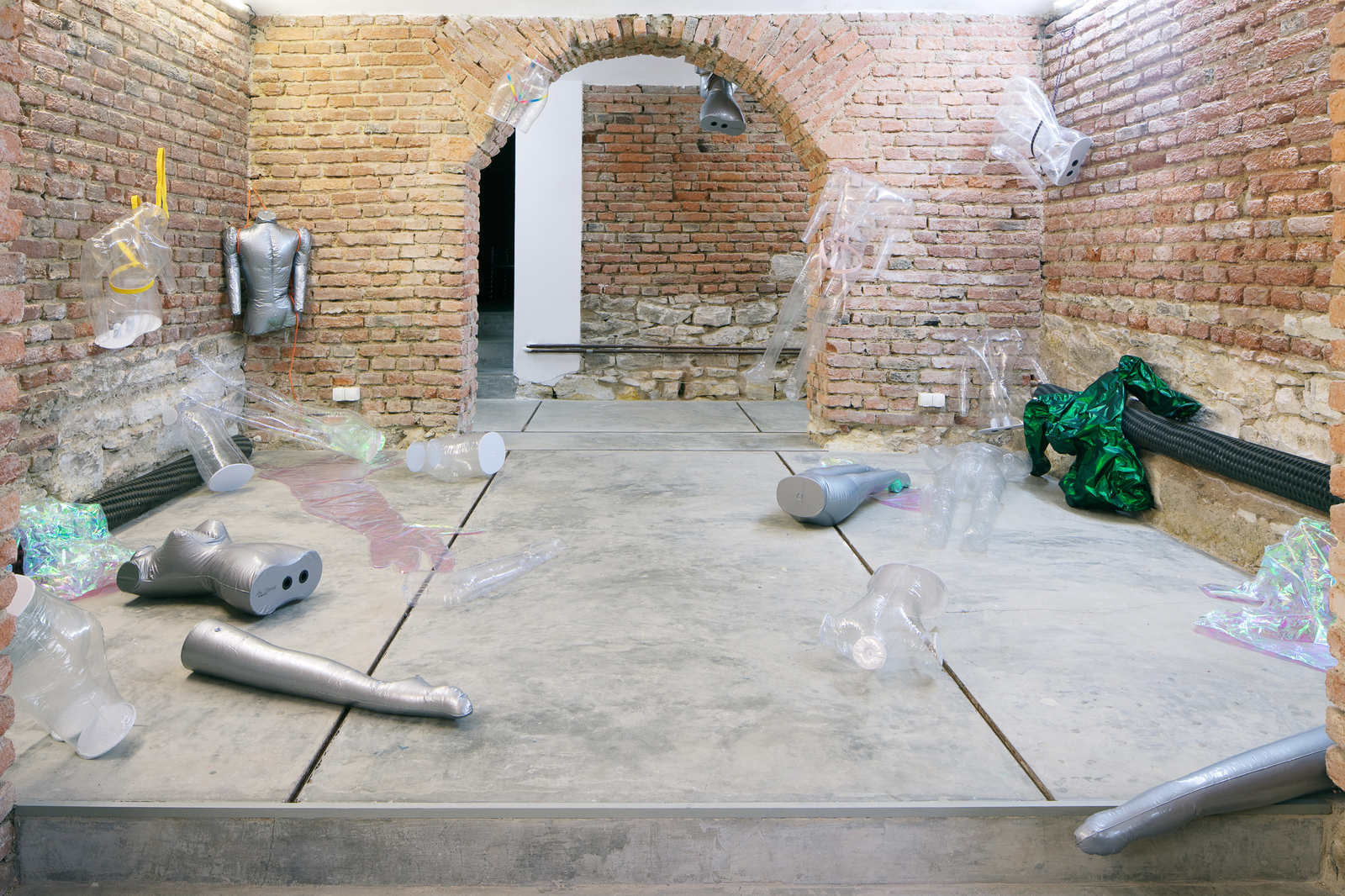 Inflatable Concrete Scattered Disc At Futura