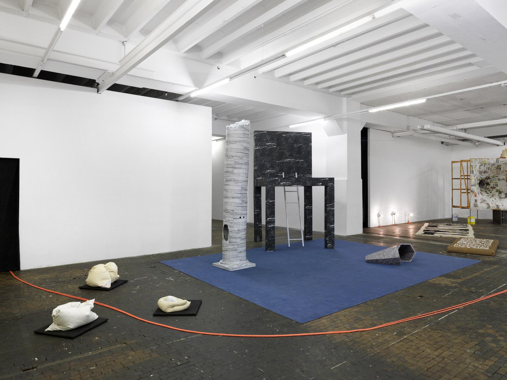 alpina huus at le commun b timent d art contemporain. Black Bedroom Furniture Sets. Home Design Ideas
