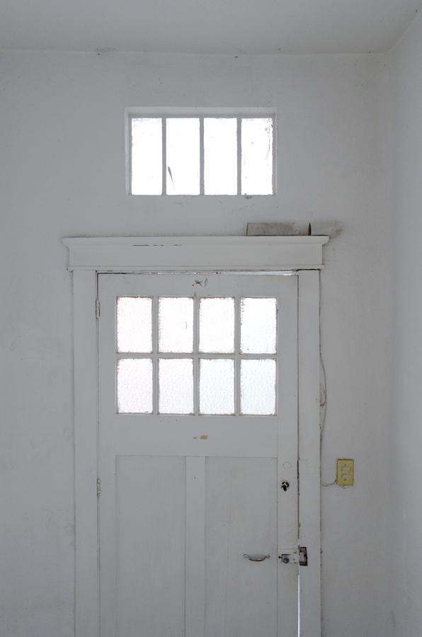 11LULU MIKEES Puerta Cerrada
