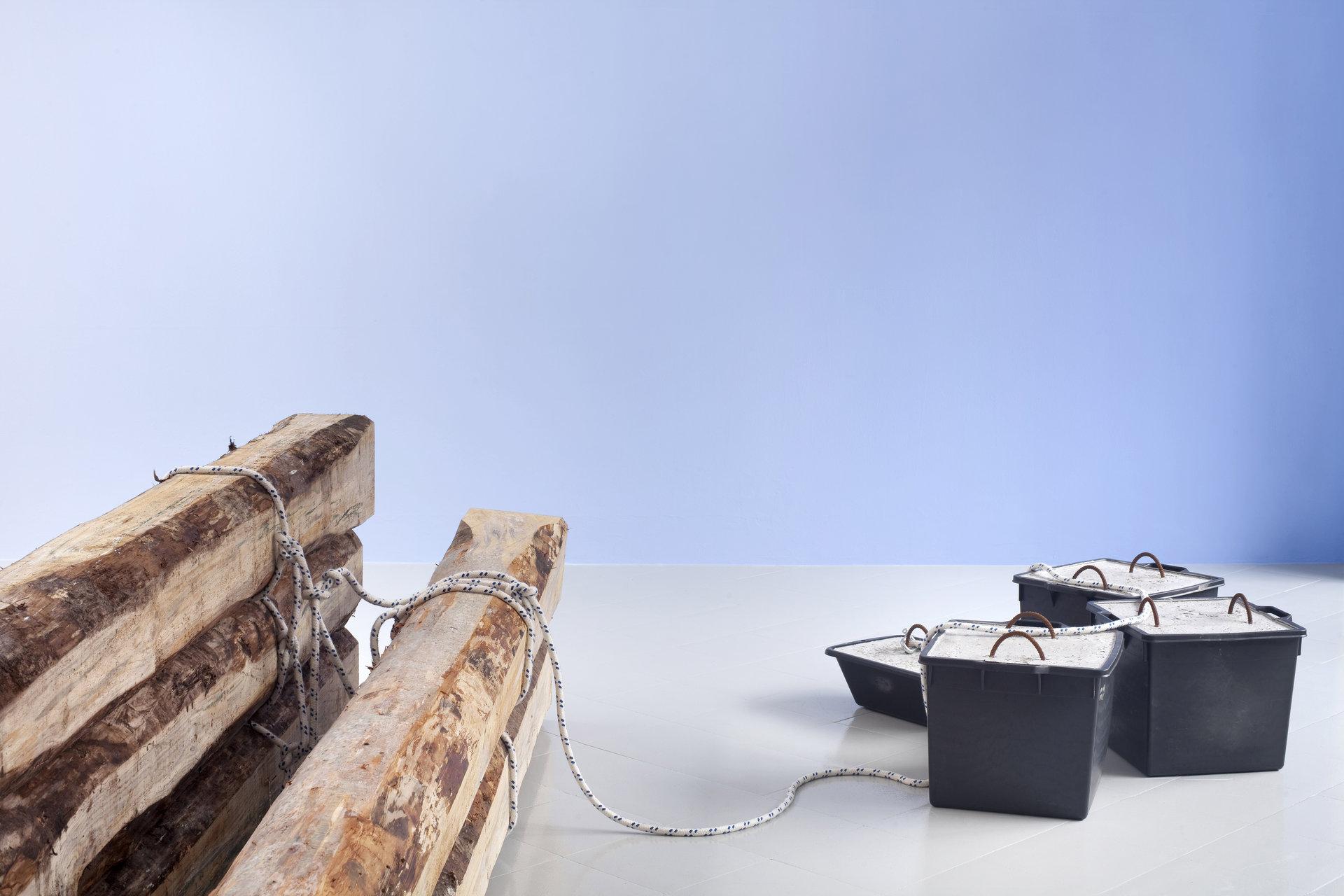 3 - Karsten Fo¦êdinger, Pieter Vermeersch, Installation View, 2015, Cabinet, Milano - Courtesy Artists and Cabinet, Milan, Photo Filippo Armellin