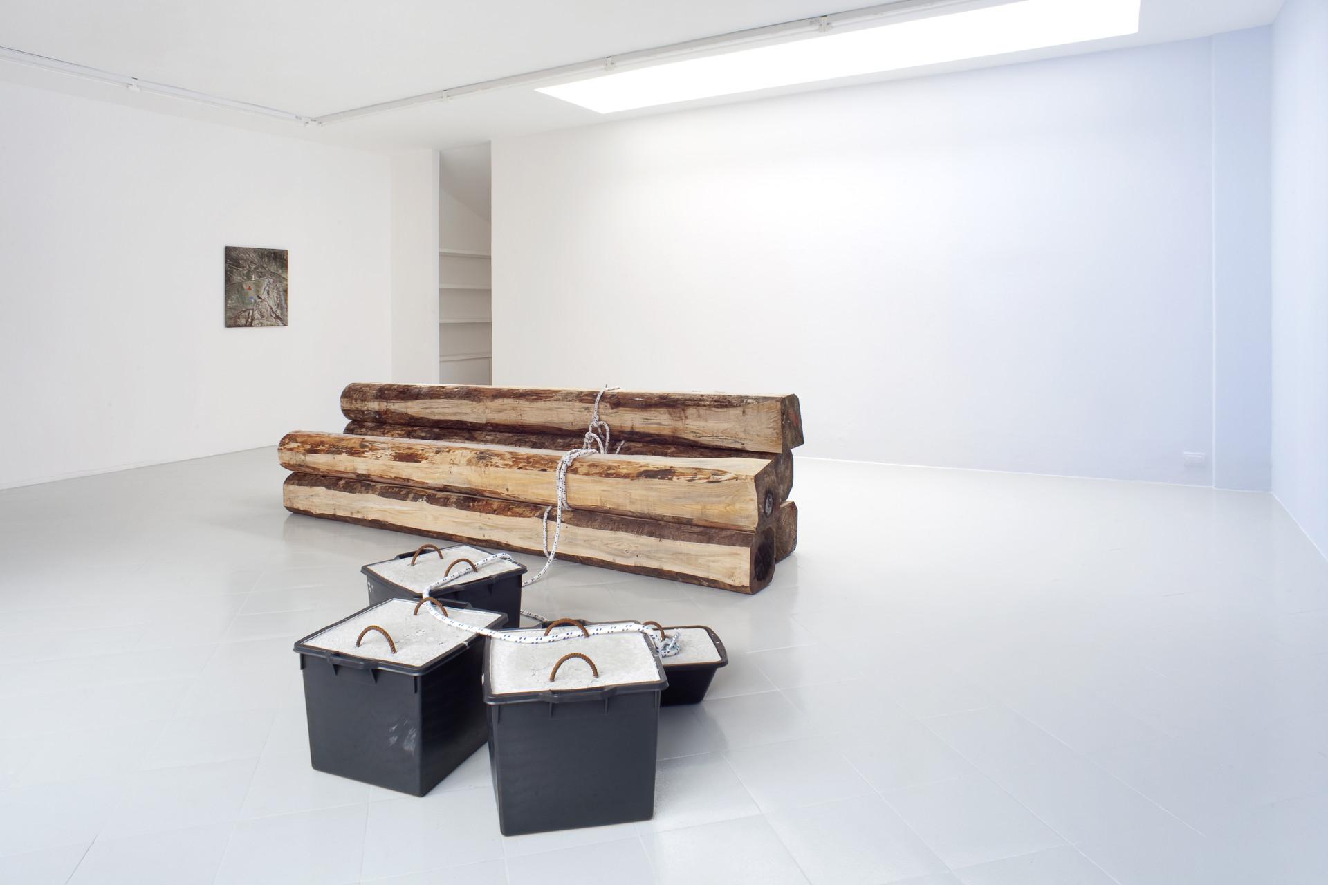 5 - Karsten Fo¦êdinger, Pieter Vermeersch, Installation View, 2015, Cabinet, Milano - Courtesy Artists and Cabinet, Milan, Photo Filippo Armellin