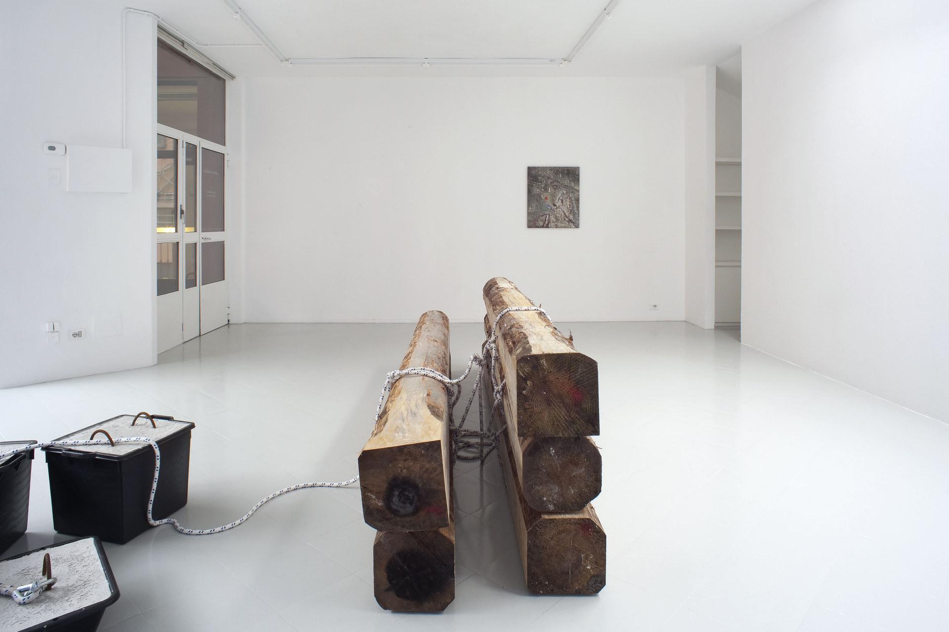 7 - Karsten Fo¦êdinger, Pieter Vermeersch, Installation View, 2015, Cabinet, Milano - Courtesy Artists and Cabinet, Milan, Photo Filippo Armellin copia
