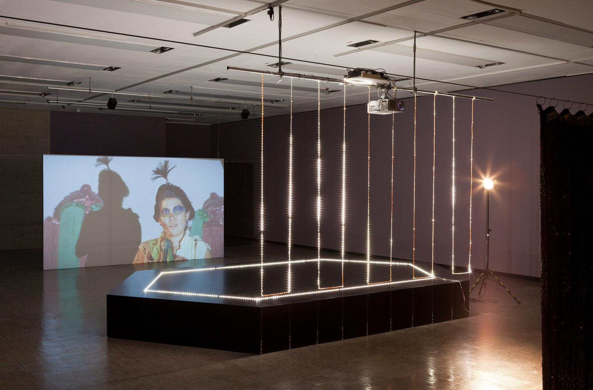 Ausstellungsansicht_LOVING_REPEATING_Kunsthalle_Wien_2015-3