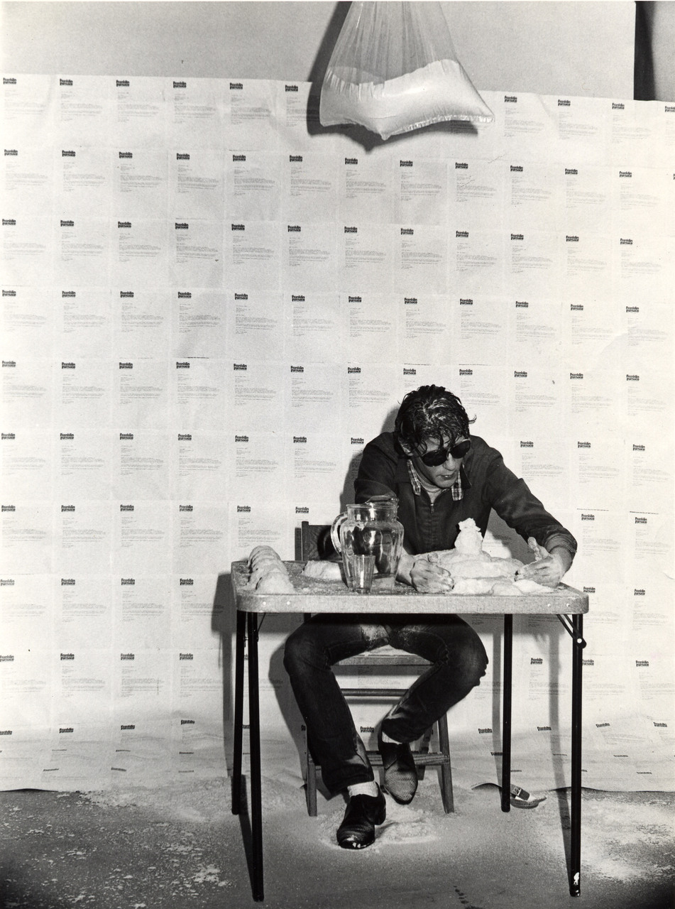 Jan_Fabre,_It_Is_Kill_Or_Cure,_1982,_performance_Franklin_Furnace,_New_York_,_courtesy_Angelos_collection_Angelos_bvba