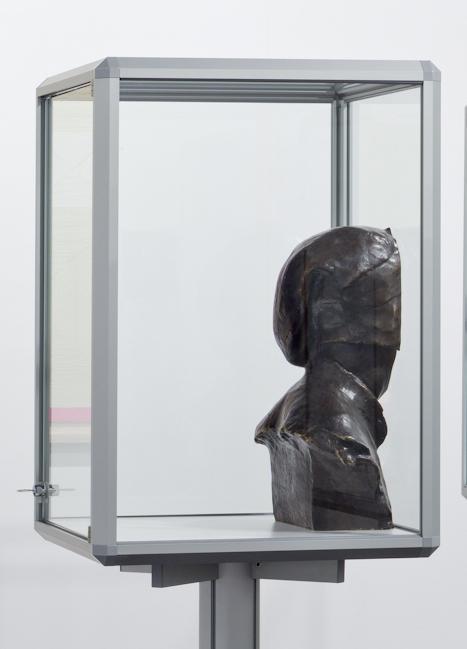 Nina-Beier-Facing-Figure