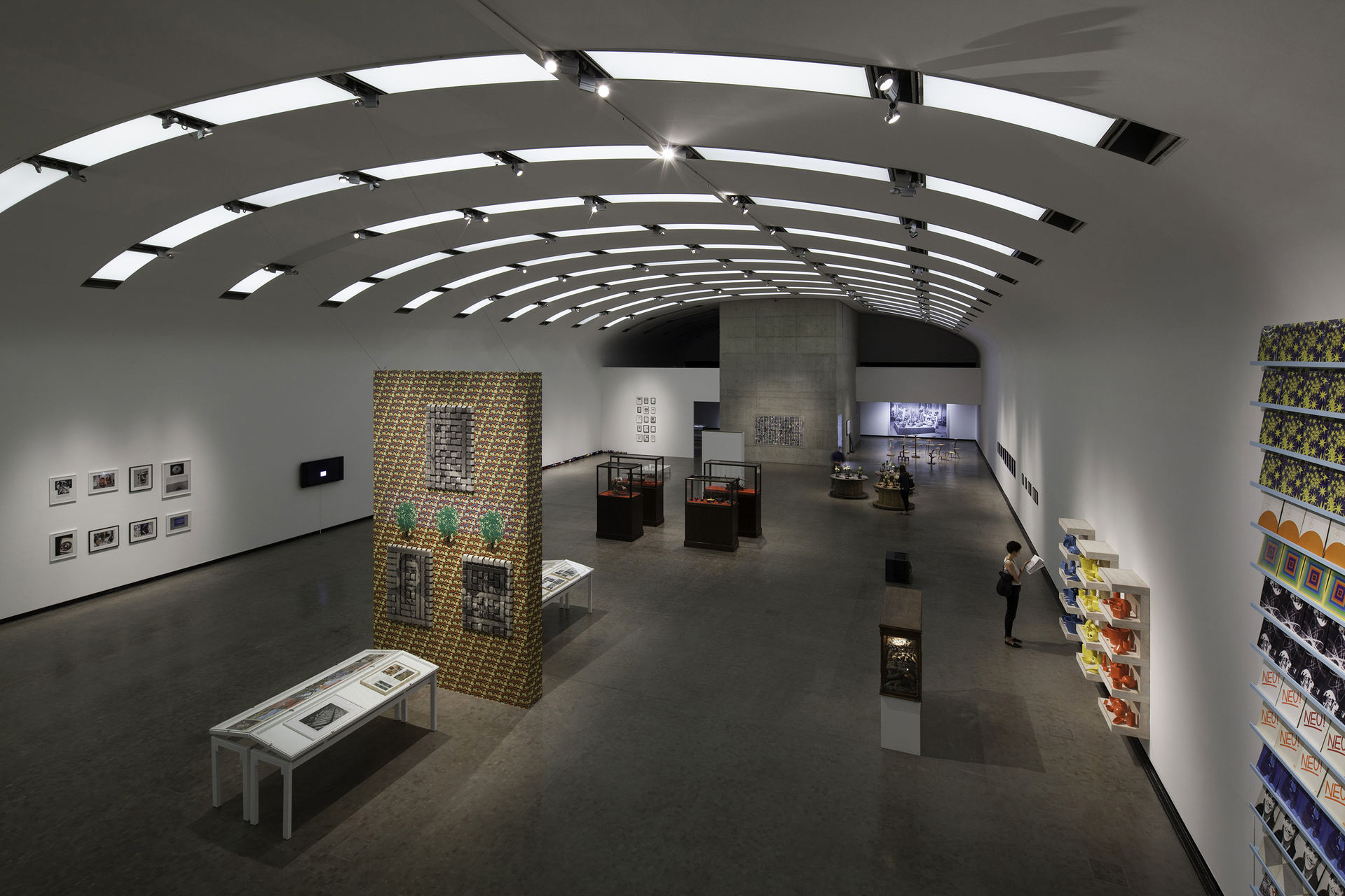 Installation-view-Individual-Stories-21