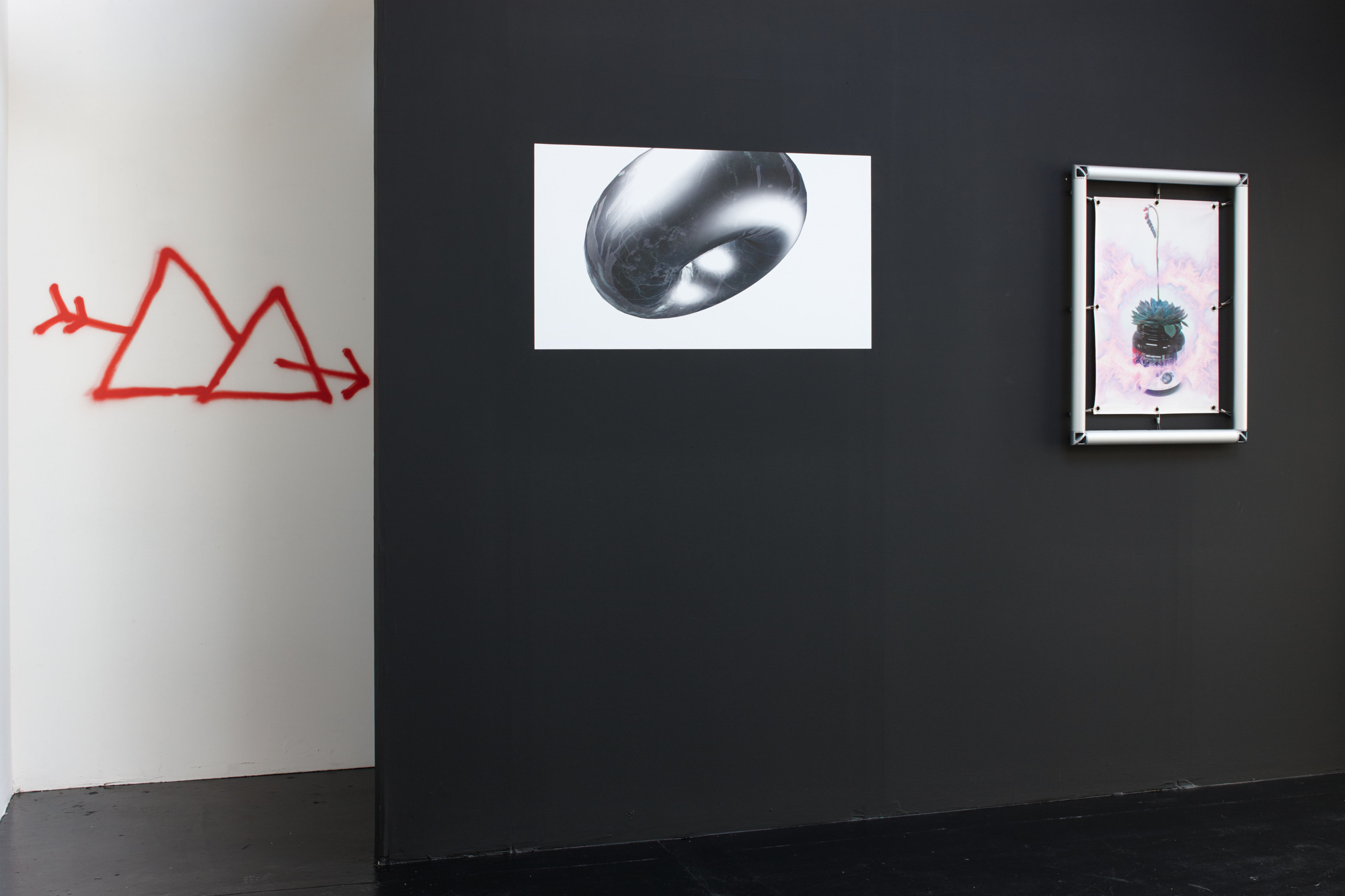 Installation view 09