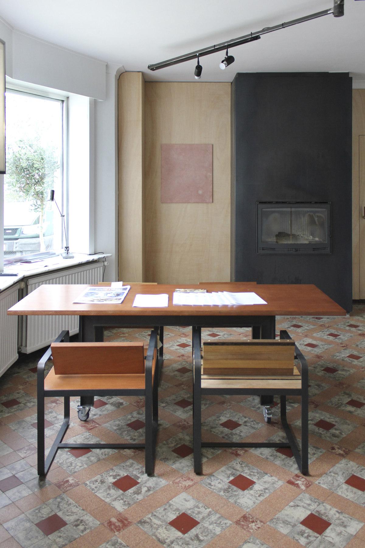 38 Install Office 01_Federico Acal