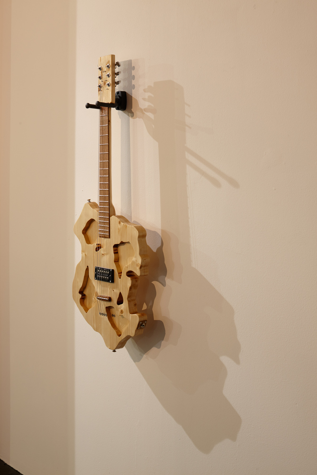 Flavio Merlo - Guitar I, (detail) 2015