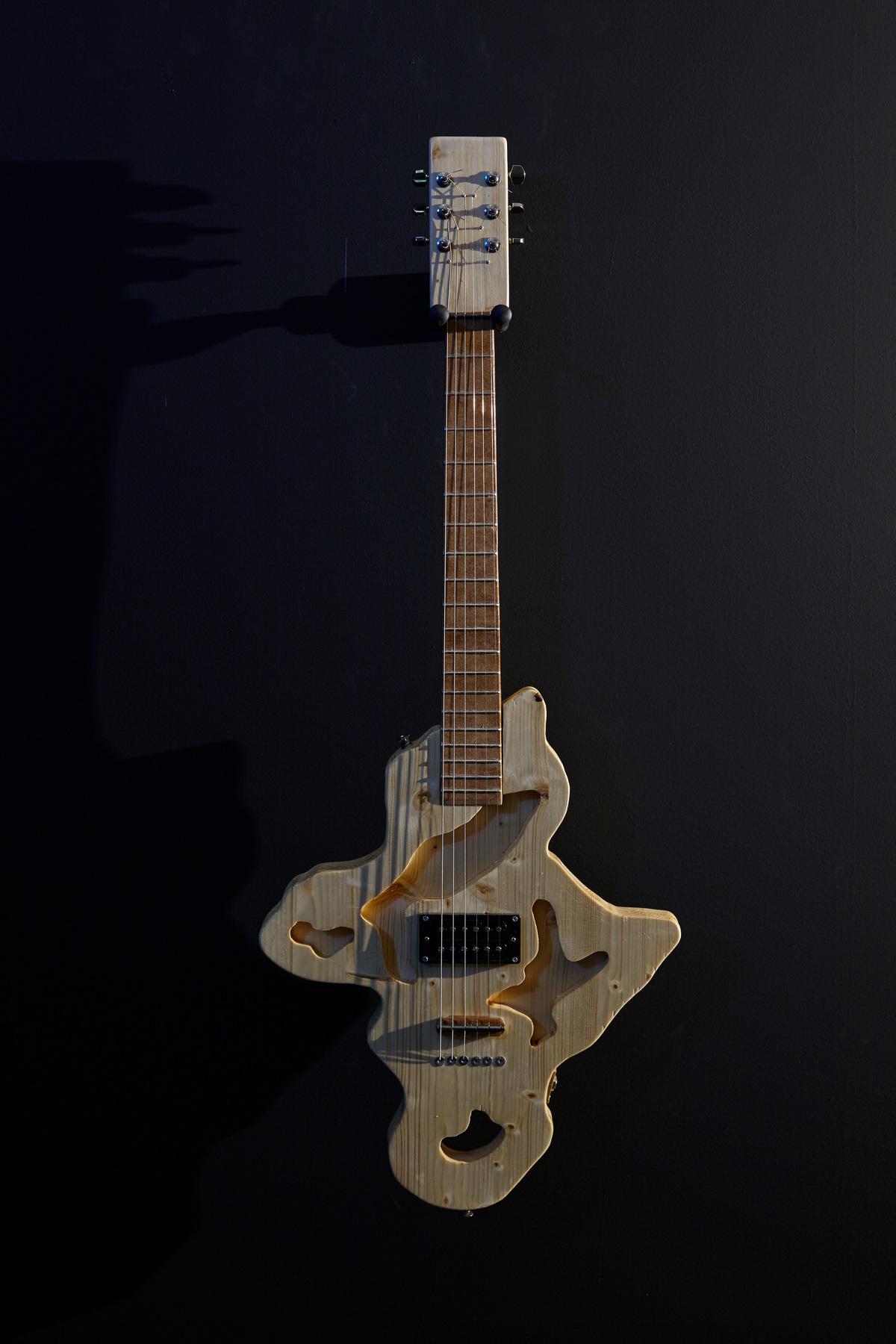Flavio Merlo - Guitar VIII, (detail) 2015