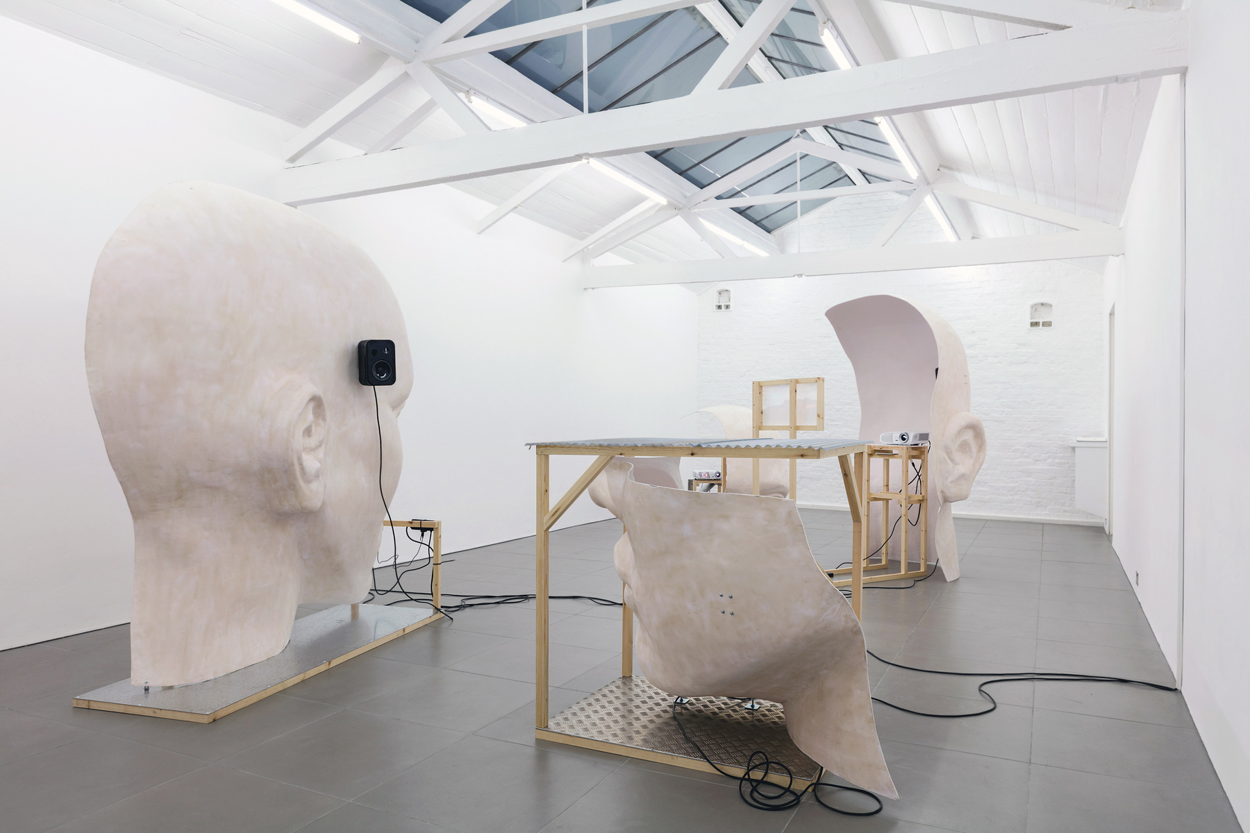 05. Anne de Vries, SUBMISSION 2015, wood, metal, fibreglass resin, audio, video